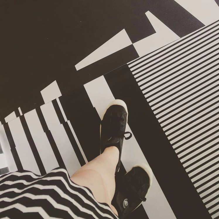 matching my monochrome outfit to the black and white dazzle floor
